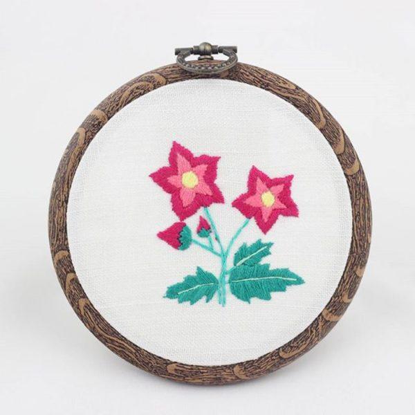 haftowany obrazek różowe kwiaty