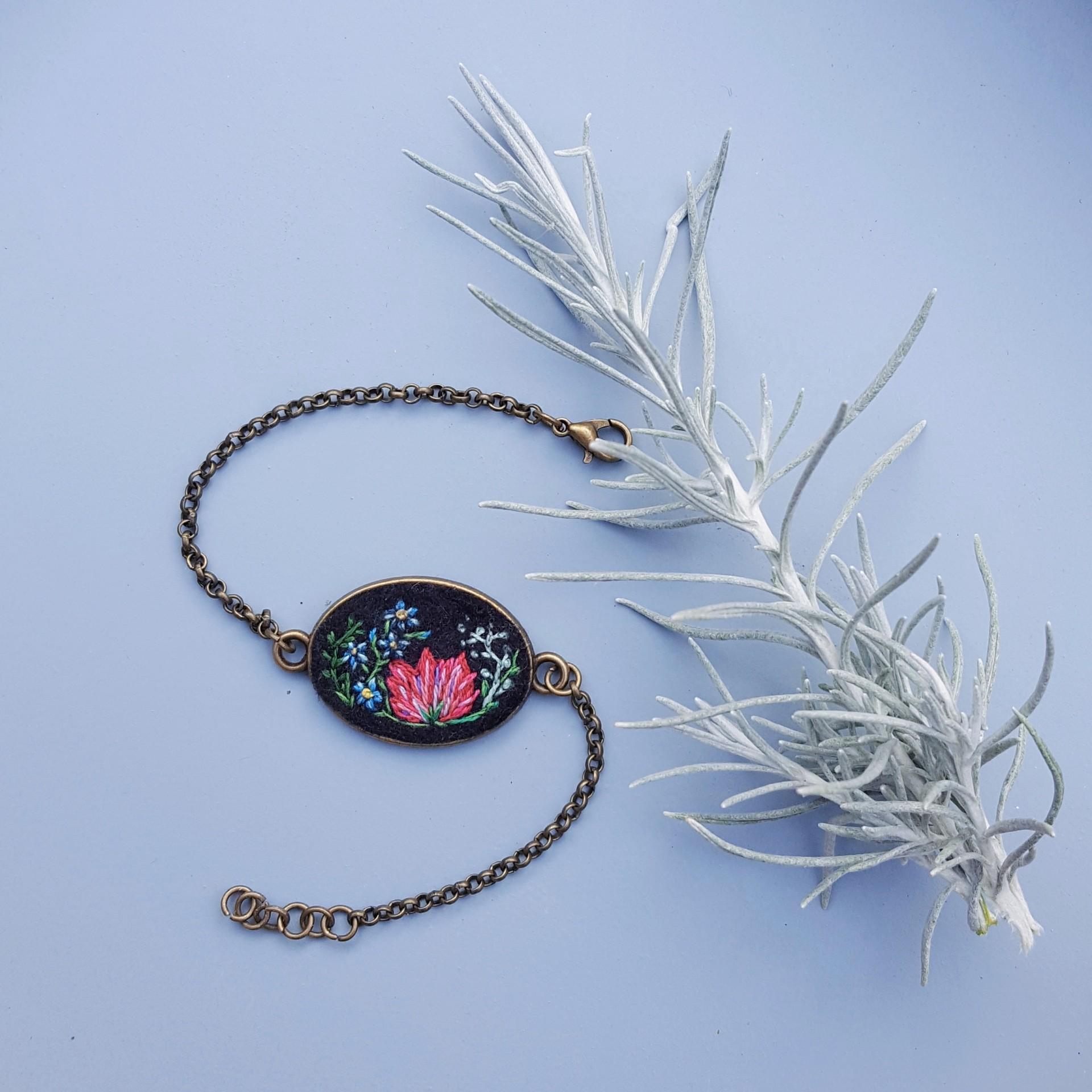 haftowana bransoletka serce łąki