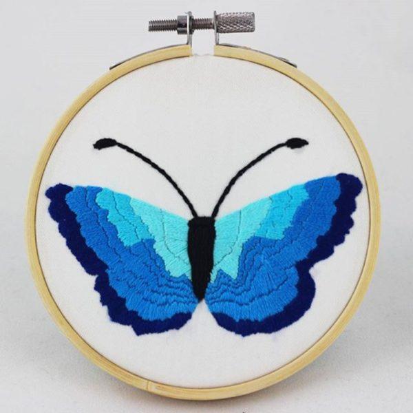 haftowany obrazek niebieski motylek