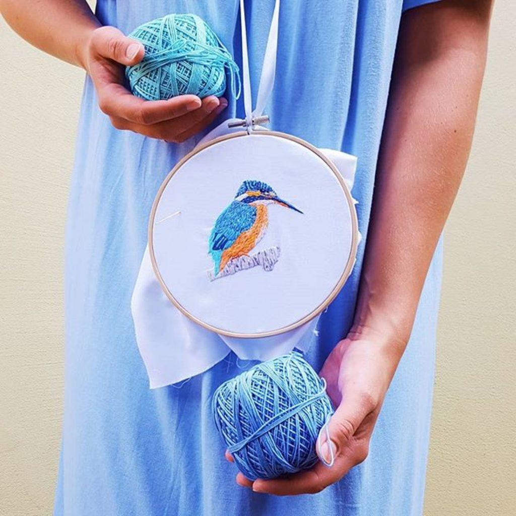 haftowany obrazek zimorodek