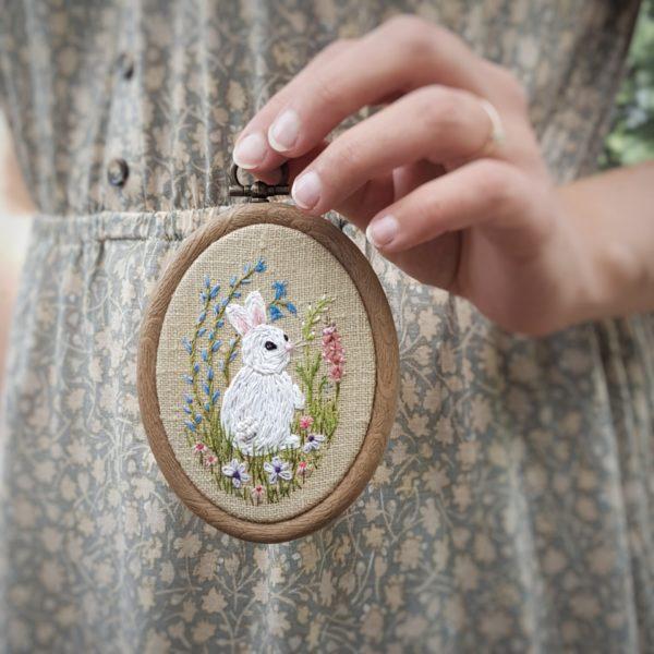 haftowany obrazek królik