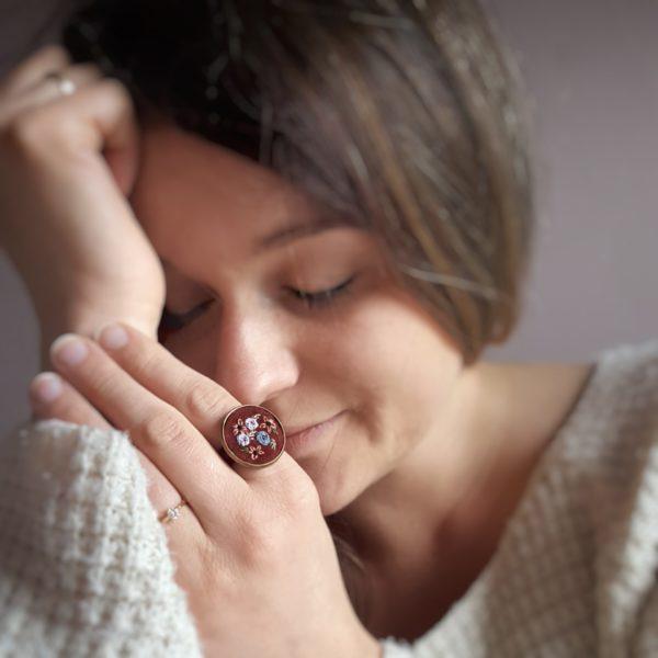 haftowany pierścionek subtelność