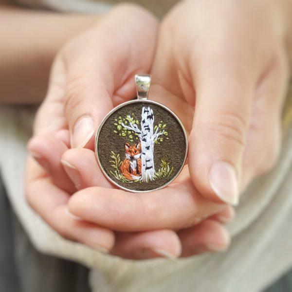 haftowany naszyjnik lis i brzoza